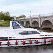 Silver Swan Klasse Boot