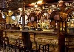 Crown Liquor Saloon - Irland